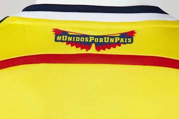 Trên Đỉnh Mặt Sau Cổ Áo Đội Tuyển Colombia 2014