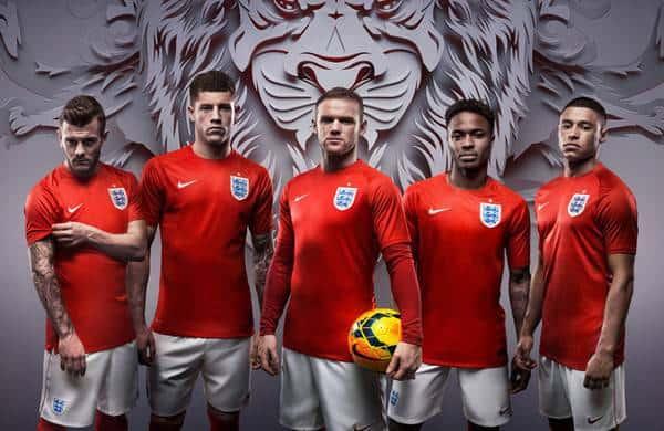 Sau World Cup 2010, LĐBĐ Anh đã chính thức chấm dứt mối quan hệ hợp tác kéo dài suốt 60 năm với Umbro để quay sang hợp tác với Nike.