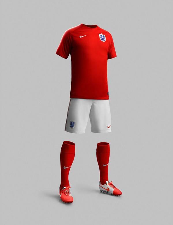 Tại ngày hội bóng đá lớn nhất hành tinh diễn ra tại Brazil năm nay, ĐT Anh sử dụng 2 mẫu áo là áo đỏ và áo trắng.