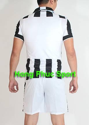 Mặt sau Bộ quần Áo Juventus 2014-2015 sân nhà