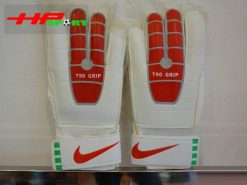 Găng tay thủ môn Nike T90 – Grip đỏ mặt trước