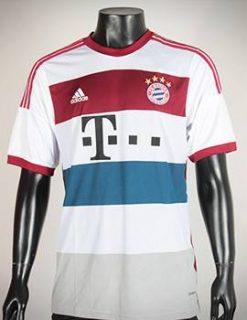 Áo Bayer Munich 2014-2015 sân khách