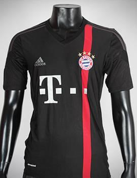 Áo Bayern Munich 2014-2015 mẫu thứ 3