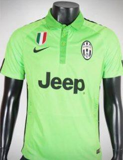 áo Juventus 2014-2015 mẫu thứ 3 xanh chuối