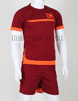 Đồ đá banh áo Training Việt Nam 2015-2016 màu đỏ bã trầu