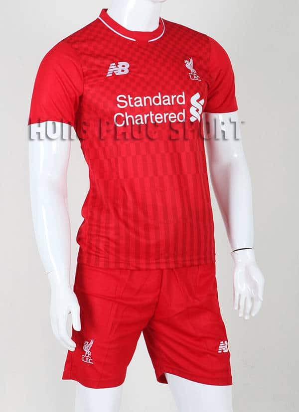 Bộ quần áo đá banh Liverpool 2015-2016 sân nhà màu đỏ