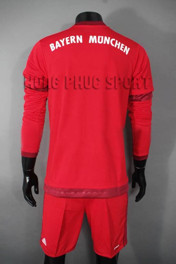 Mặt sau áo đá banh bayern ray dài 2015-2016 sân nhà màu đỏ