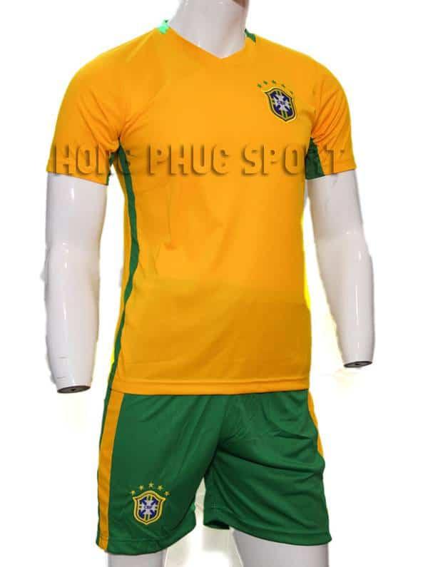 Mẫu áo tuyển Brazil 2016-2017 sân nhà màu vàng
