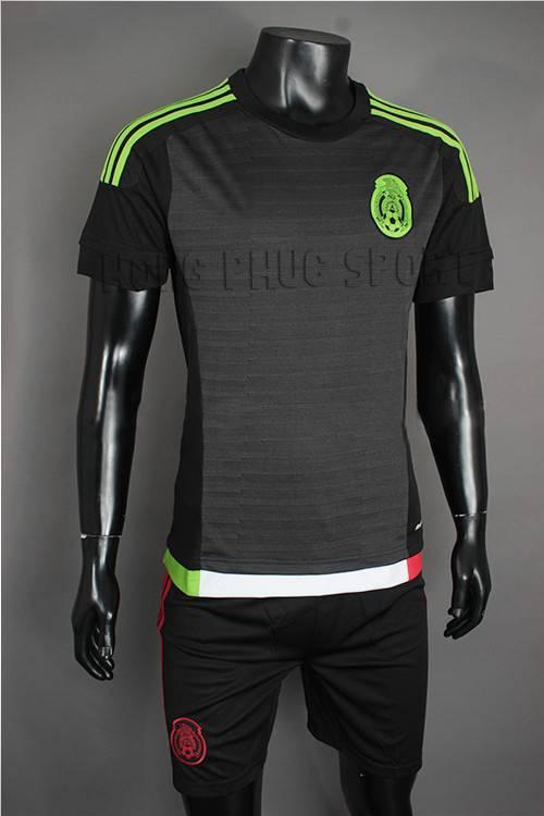 Mẫu áo đá banh Mexico 2015-2016 sân nhà màu đen