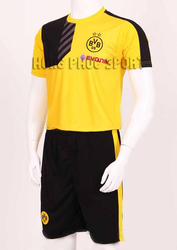 Mẫu áo training Dortmund 2015-2016 màu váng phối đen