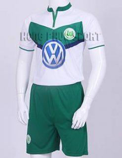 Mẫu áo wolfsburg 2015-2016 sân nhà màu trắng xanh