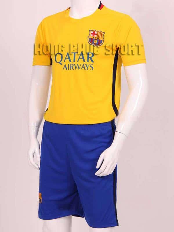 Mẫu áo đá banh Barcelona 2015-2016 sân khách màu vàng