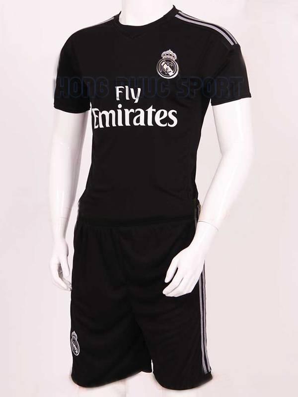 Mẫu áo đá banh thủ môn Real Madrid 2015-2016 màu đen