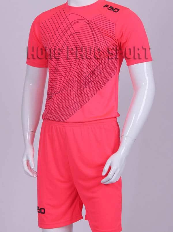 Mẫu áo đá banh áo F50 màu hồng không logo 2015-2016