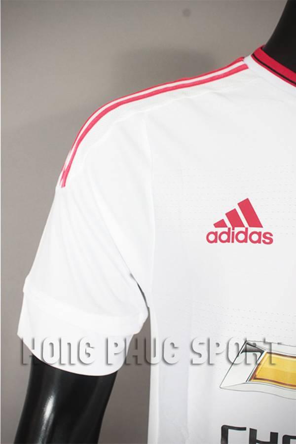 Vai áo MU 2015-2016 sân khách màu trắng fake 1 Thái Lan