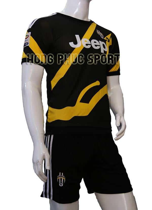Đồ đá banh training Juventus 2015-2016 đen phối vàng