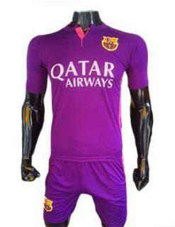 Mẫu quần áo Barcelona 2016 2017 sân khách màu tím