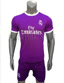 Mẫu quần áo Real Madrid 2016 2017 sân khách màu tím