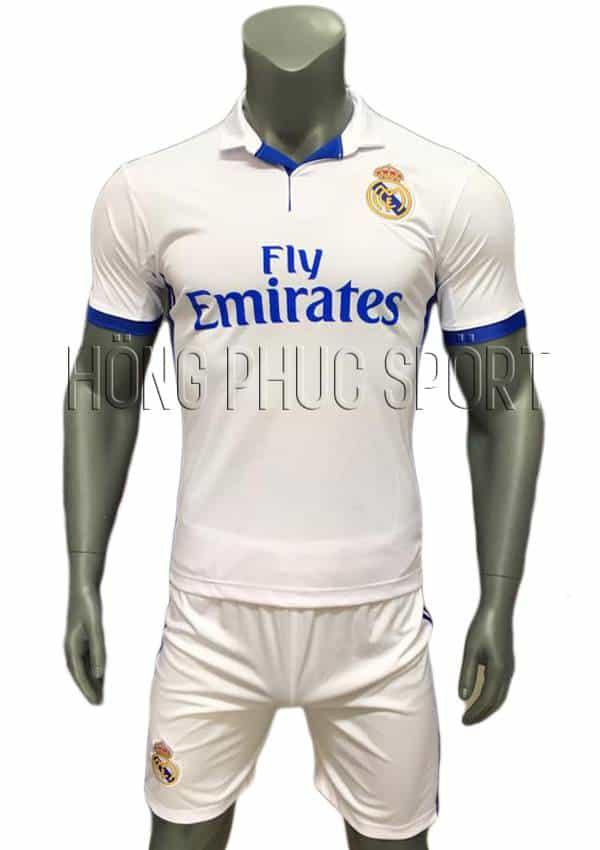 Bộ quần áo Real Madrid 2016 2017 sân nhà mầu trắng viền xanh cổ bẻ
