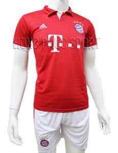 Mẫu quần áo đấu Bayern Munich 2016 2017 sân nhà mầu đỏ có cổ