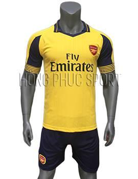 Mẫu áo Arsenal 2016 2017 sân khách mầu vàng