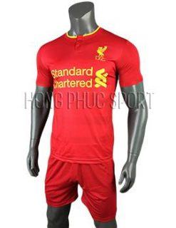 Mẫu áo đấu Liverpool 2016 2017 sân nhà mầu đỏ