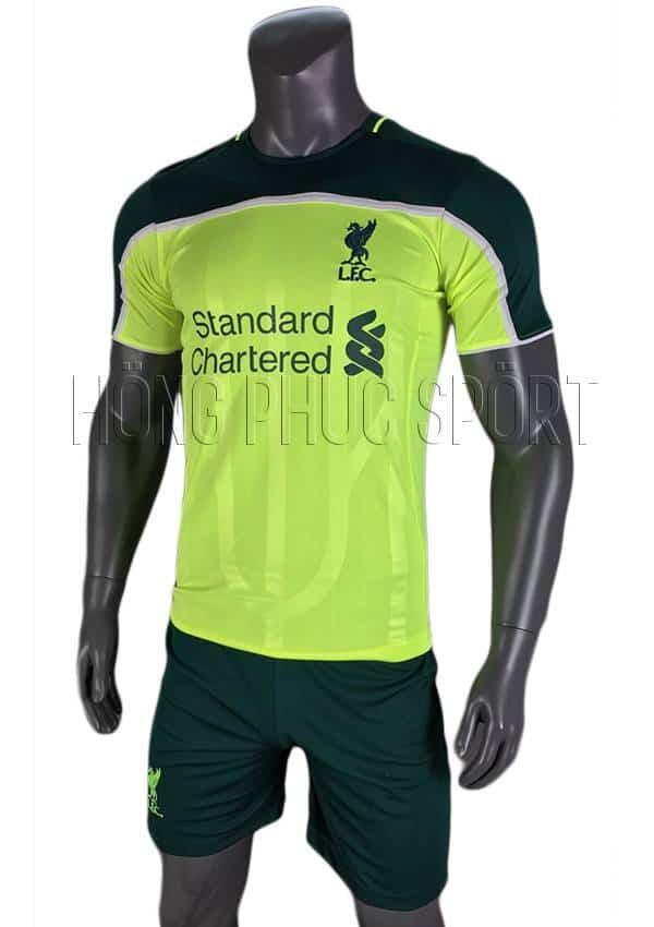 Bộ quần áo Liverpool 2016 2017 mẫu thứ 3 xanh chuối phối đen
