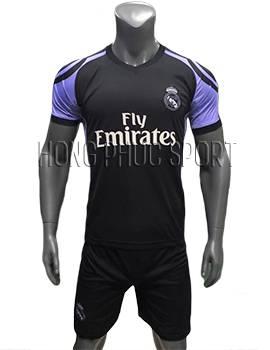 Mẫu áo Real Madrid 2016 2017 sân khách tím than