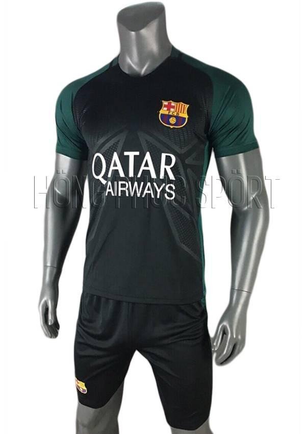 Mẫu áo training Barcelona 2016 2017 đen phối xanh
