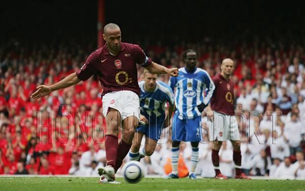 Áo đấu Arsenal 2005 2006 sân nhà