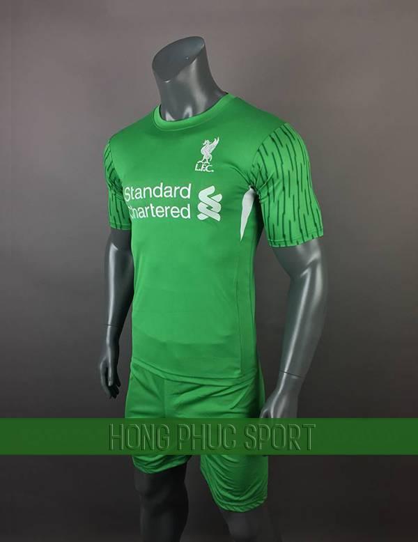 Bộ quần áo đấu Liverpool 2017 2018 sân khách màu xanh lá cây