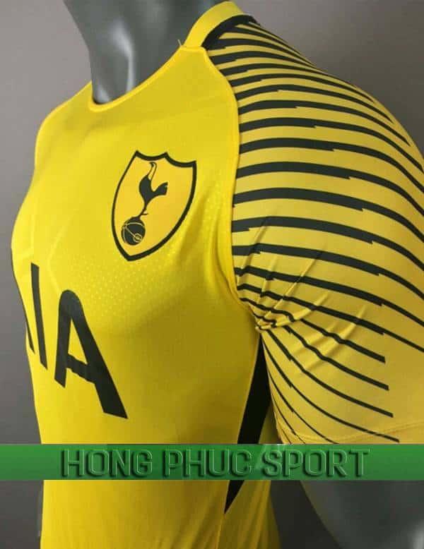Vai áo thủ môn Tottenham 2017 2018 màu vàng