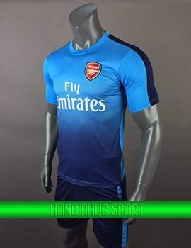 Mẫu áo đấu Arsenal sân khách 2017 2018 màu xanh