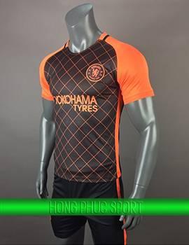 Mẫu áo training Chelsea 2017 2018 đen phối cam