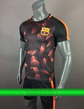 Mẫu áo training Barca 2017 2018 đen phối cam