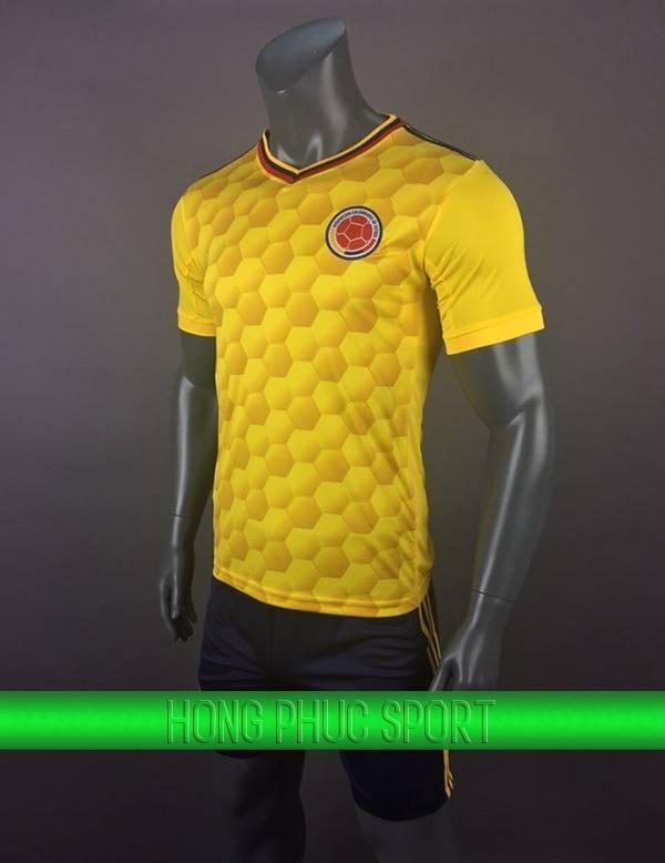 Bộ quần áo đấu tuyển Columbia sân nhà 2017 2018 màu vàng