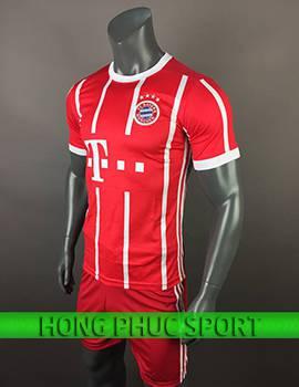 Mẫu áo đấu Bayern Munich 2017 2018 sân nhà đỏ sọc trắng