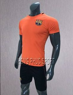 Mẫu áo training Barcelona 2017 2018 màu cam