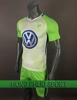 Mẫu áo đấu Wolfsburg sân nhà 2017 2018 xanh chuối