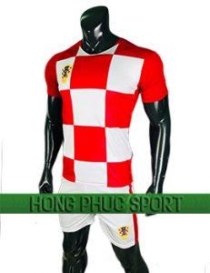 Mẫu áo đấu Croatia World Cup 2018 màu đỏ trắng