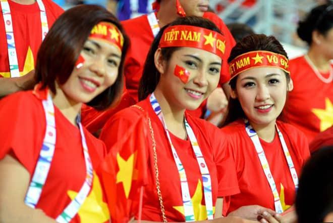 Băng rôn cổ vũ in băng rôn buộc đầu in cờ dán mặt U23 Việt Nam