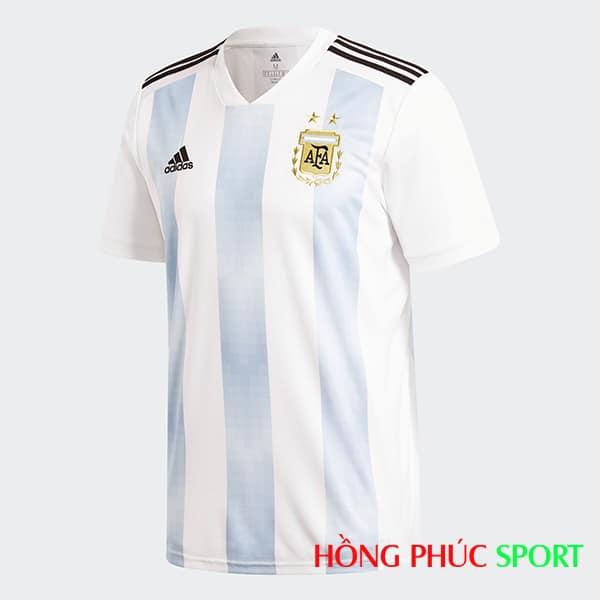 Áo đấu sân nhà Argentina (phía ngực áo)