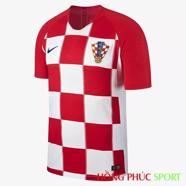 Áo đấu sân nhà đội tuyển Croatia (phía ngực áo)