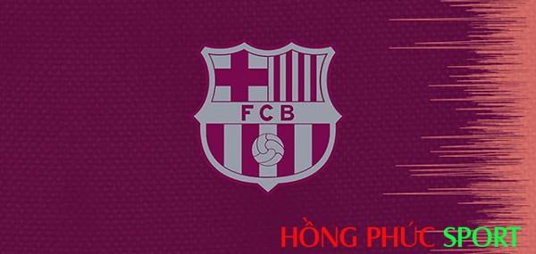 Còn biểu tượng Barca màu hồng đào kết hợp với màu trắng