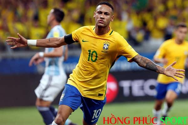 Cậu bé vàng của Brazil có thể giành được chiếc giày vàng?