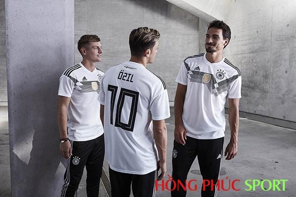 Mesut Ozil, Mats Hummels, Toni Kroos trong áo đấu đội tuyển Đức