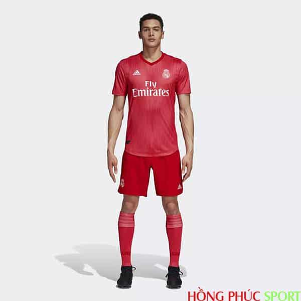Tổng quan bộ áo đấu Real Madrid thứ ba mùa giải 2018 2019