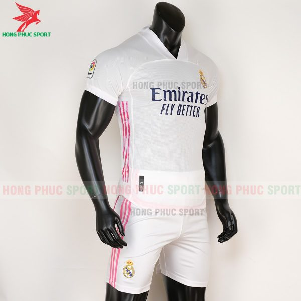 ao-bong-da-Real-Madrid-2020-2021-san-nha-phai