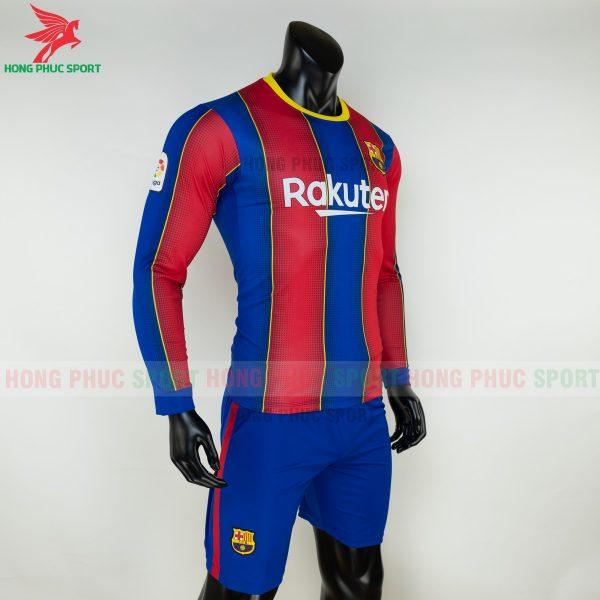 ao-dai-tay-Barcelona-2020-san-nha-4