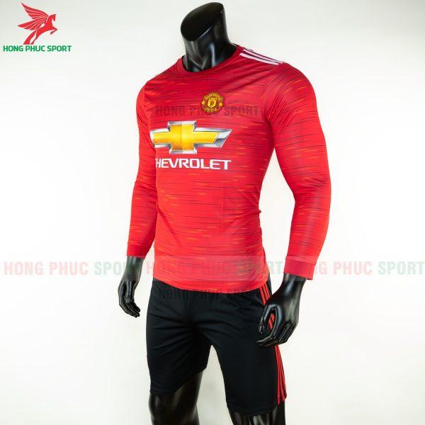 ao-dai-tay-Manchester-united-2020-san-nha-2